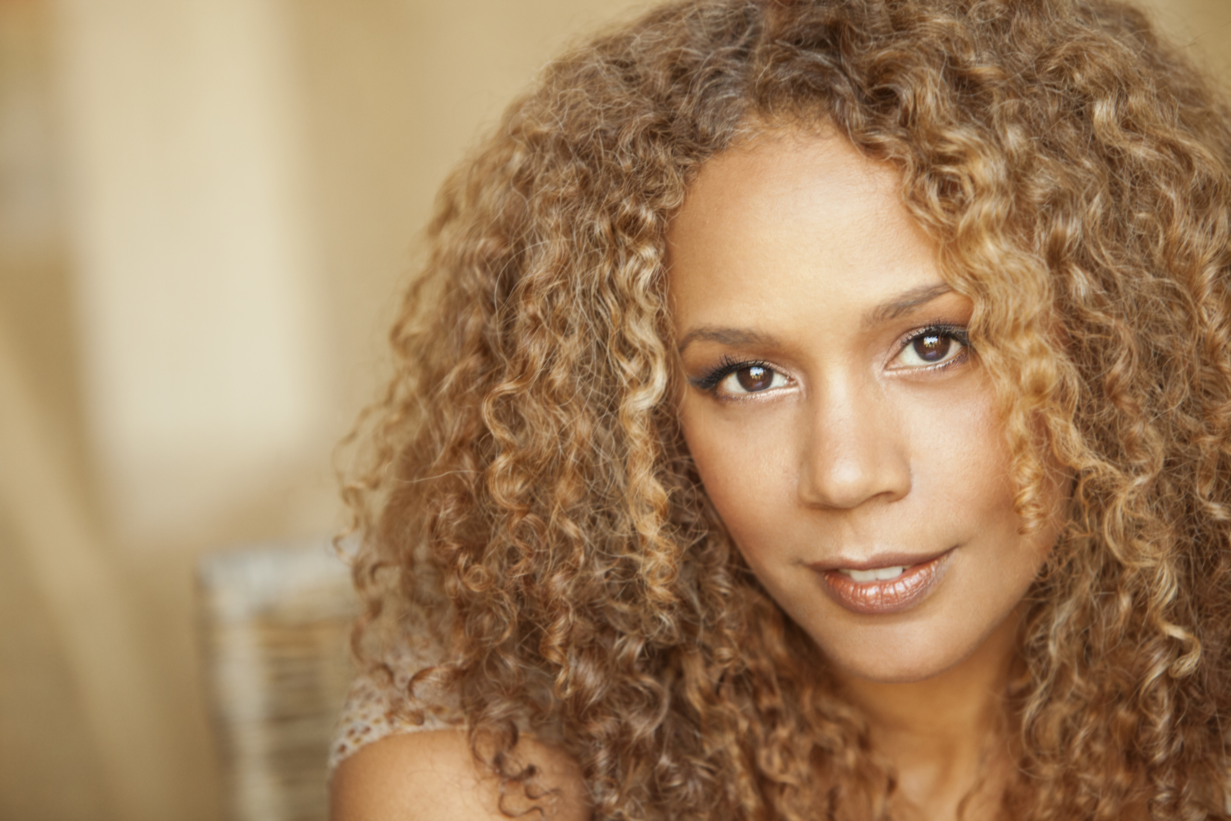 ABOUT RACHEL TRUE THE ACTRESS