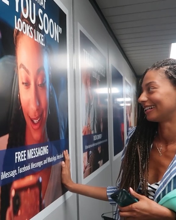 😍♥️ Look who I finally saw in person...ME!!! What a blessing! After getting multiple photos from so many loved ones of my ad in several airports in the U.S., I finally got to see it in person. Words cannot explain this feeling of gratitude, happiness, and sense of accomplishment every time I see the work that I do come to life and in print. This feeling will never get old. I am so grateful to be one of the faces for the @delta campaign 🙏🏽✨ . . . #NataliaHarris #DeltaAirlines #StateMgmt #Campaign #Work #Travel  #RepresentationMatters #Commercial #Lifestyle #Blessed #Grateful