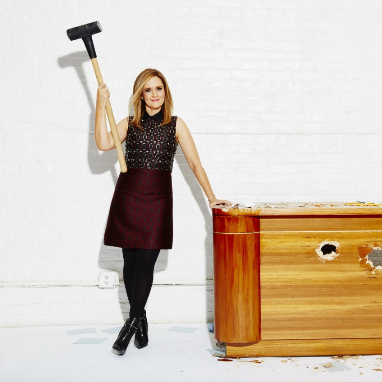 Samantha Bee   was awesome on  The Daily Show ...but she is KILLING IT on  Full Frontal with Samantha Bee . She's giving all the men of late night a run for their money and breaking that glass ceiling like a champ!