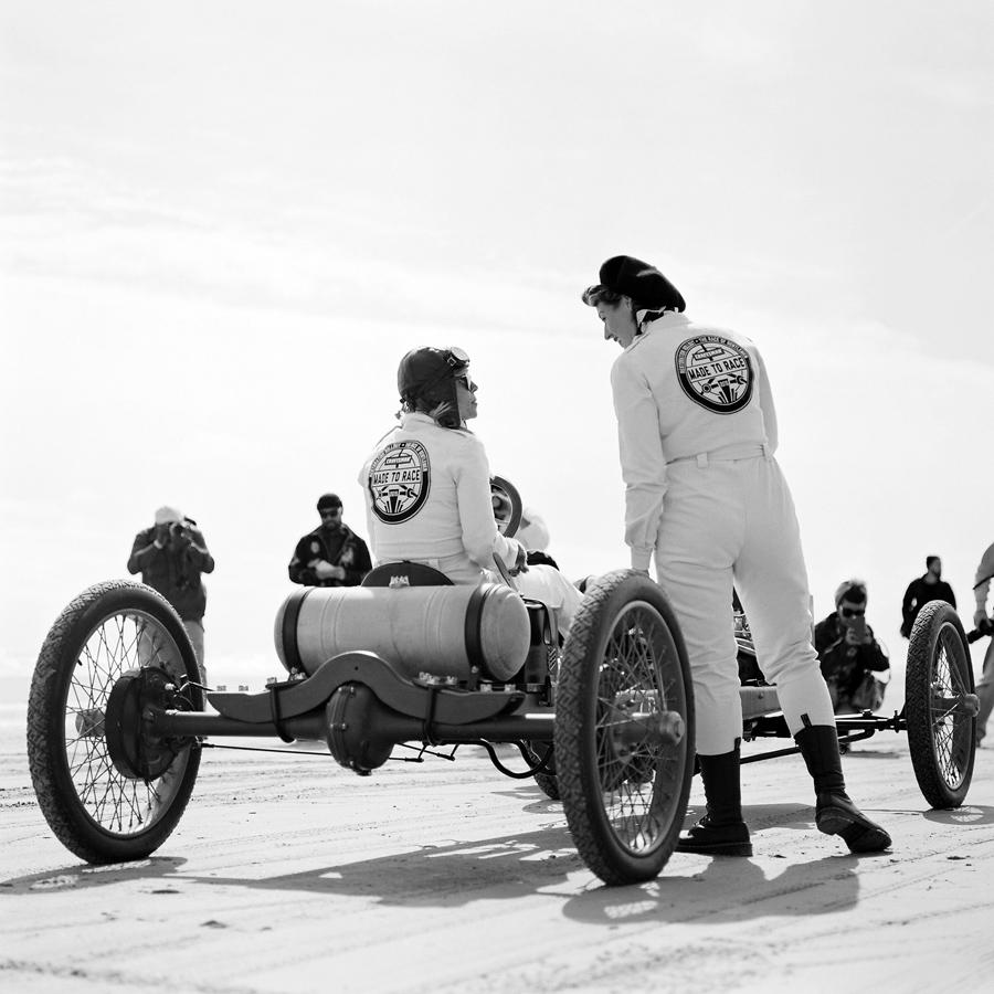 023-Siousca-Photography+The-Race-of-Gentlemen+Philadelphia-Film-Photographer+Hasselblad.jpg