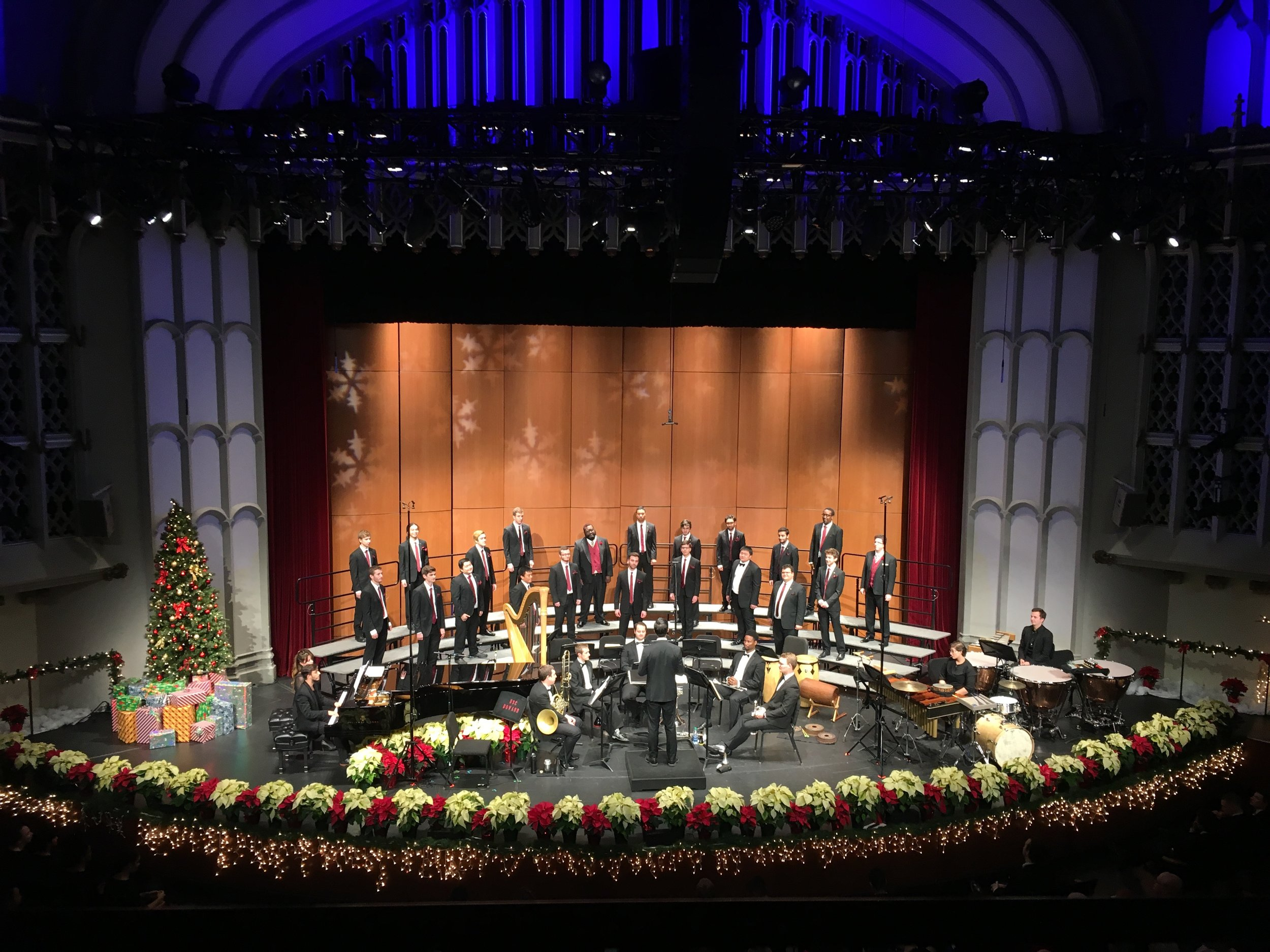 Daniel leads the USC Apollo Men's Chorus for USC's 2018 Winter Gala.