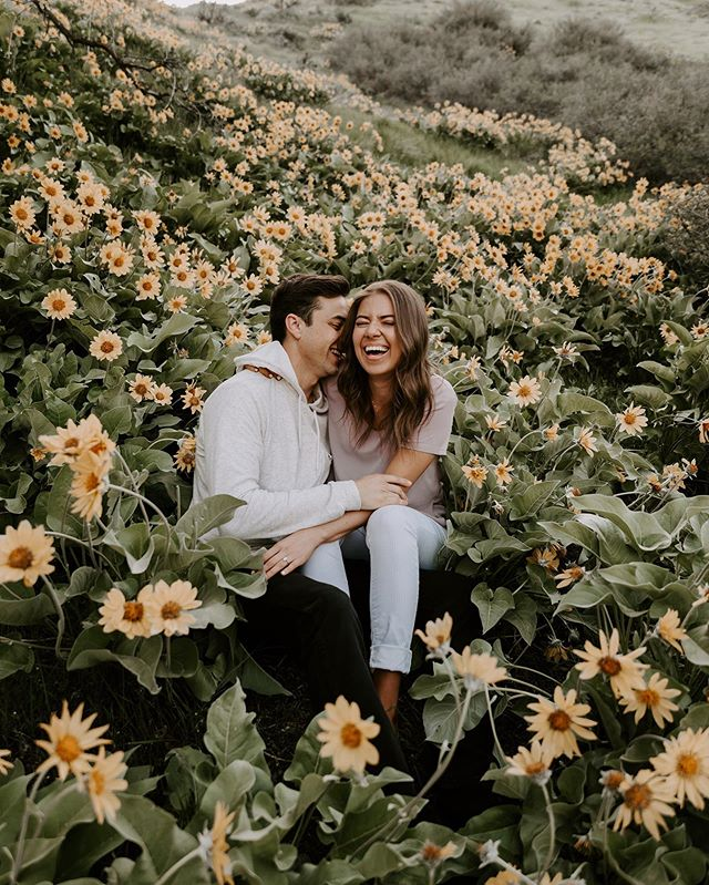YOU GUYS!! We've been so MIA it's kind of crazy 😬 but we are excited to share the photos from lovely couples we've been working with this year like this one 😍🌼✨ These two tied the knot today and we are so excited that we get to party with them 🙌🏼🥰 We also have some MAJOR news to share with you all!!! So keep your eyes peeled cause we'll drop them this week 😏👍🏼✨ #passeyphoto . . . . . . . . . . #utahphotography #utahphotographer #utah #utahweddingphotographer #utahbrideandgroom #bridetobe #junebugweddings #destinationphotographer #utahengagements #weddinginspiration #weddingphotographer #mountainbride #LoveAuthentic #wedding #utahbride #utahwedding #utah wedding photographers #utterlyengaged #rockymountainbride #heyweddinglady #utahbrideblog #smilemepretty #LovelyBestDressed #gettingmarried #greenweddingshoes #momentsonmountains #elopementcollective #LoveIntentionally