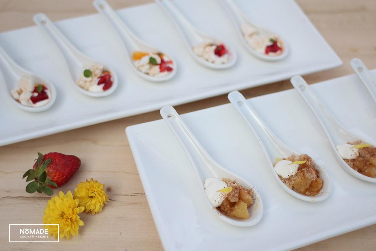 Crumble de manzana con crema de queso + Petit Pavlova