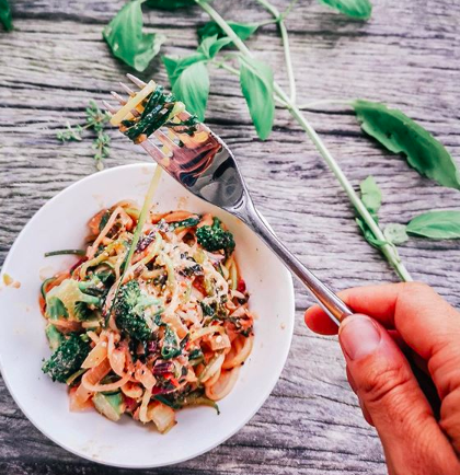 Plastic-free pasta that feels light in the belly. YUM!