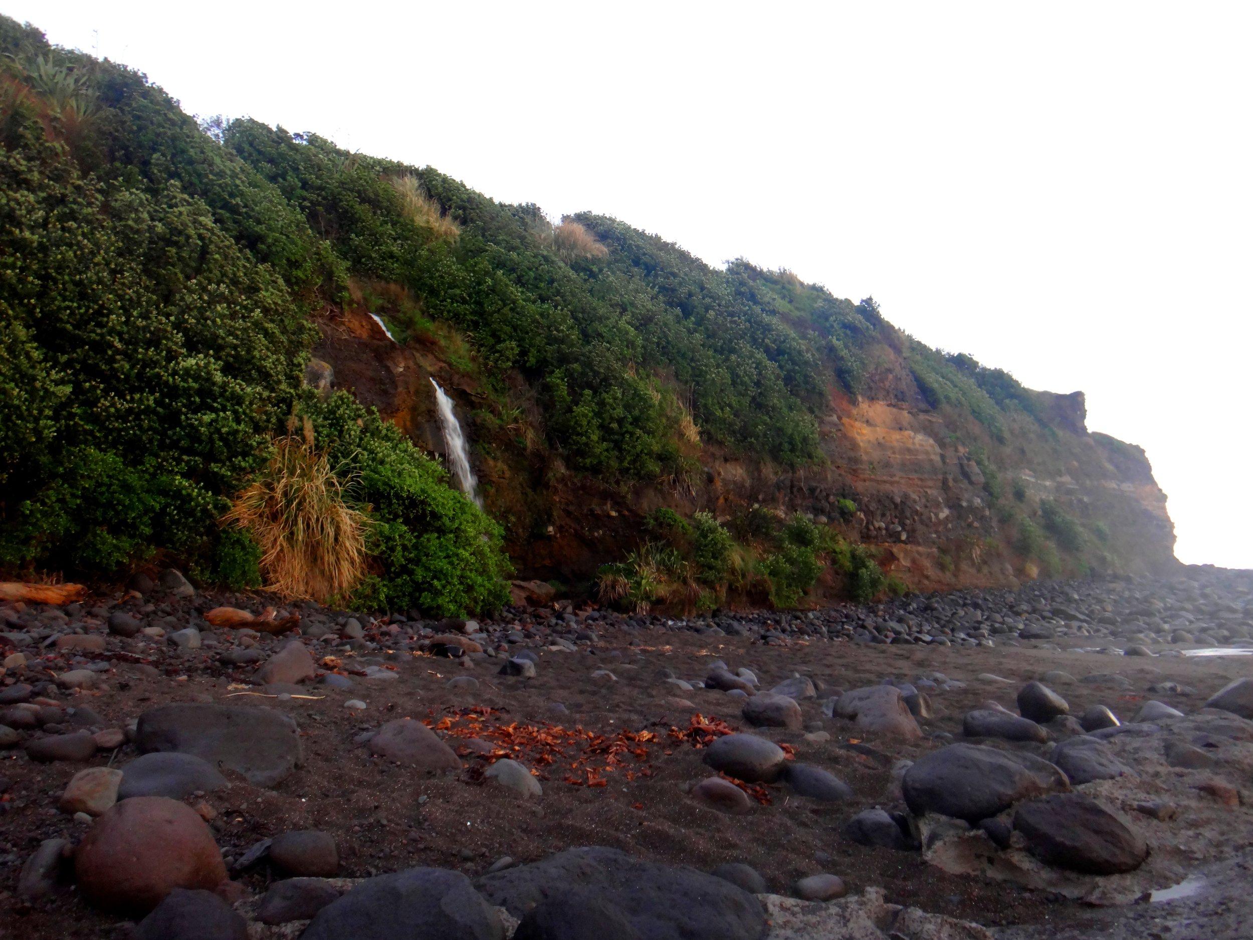 Little waterfall by the Opunake landing.