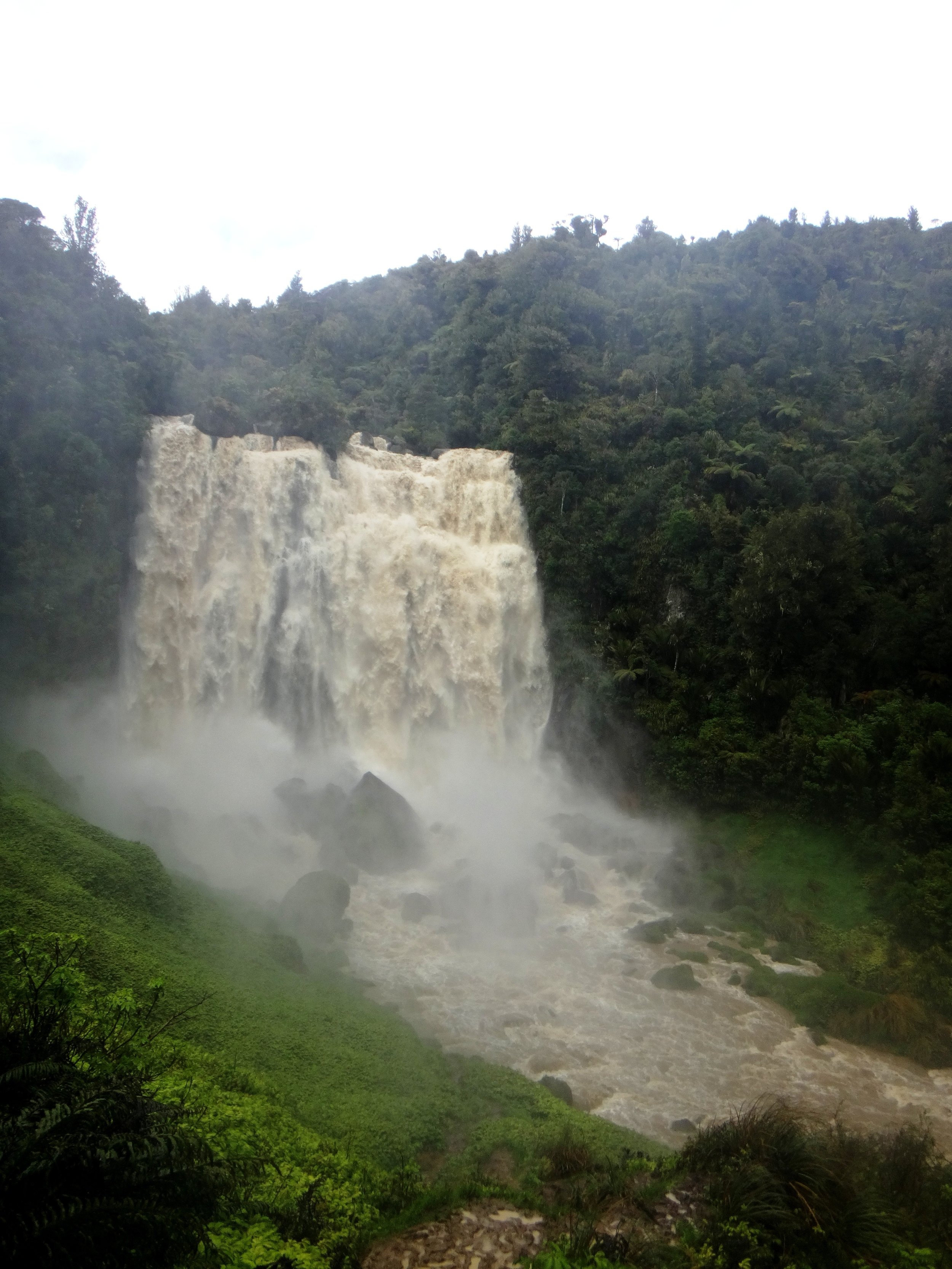 Marokopa Falls.