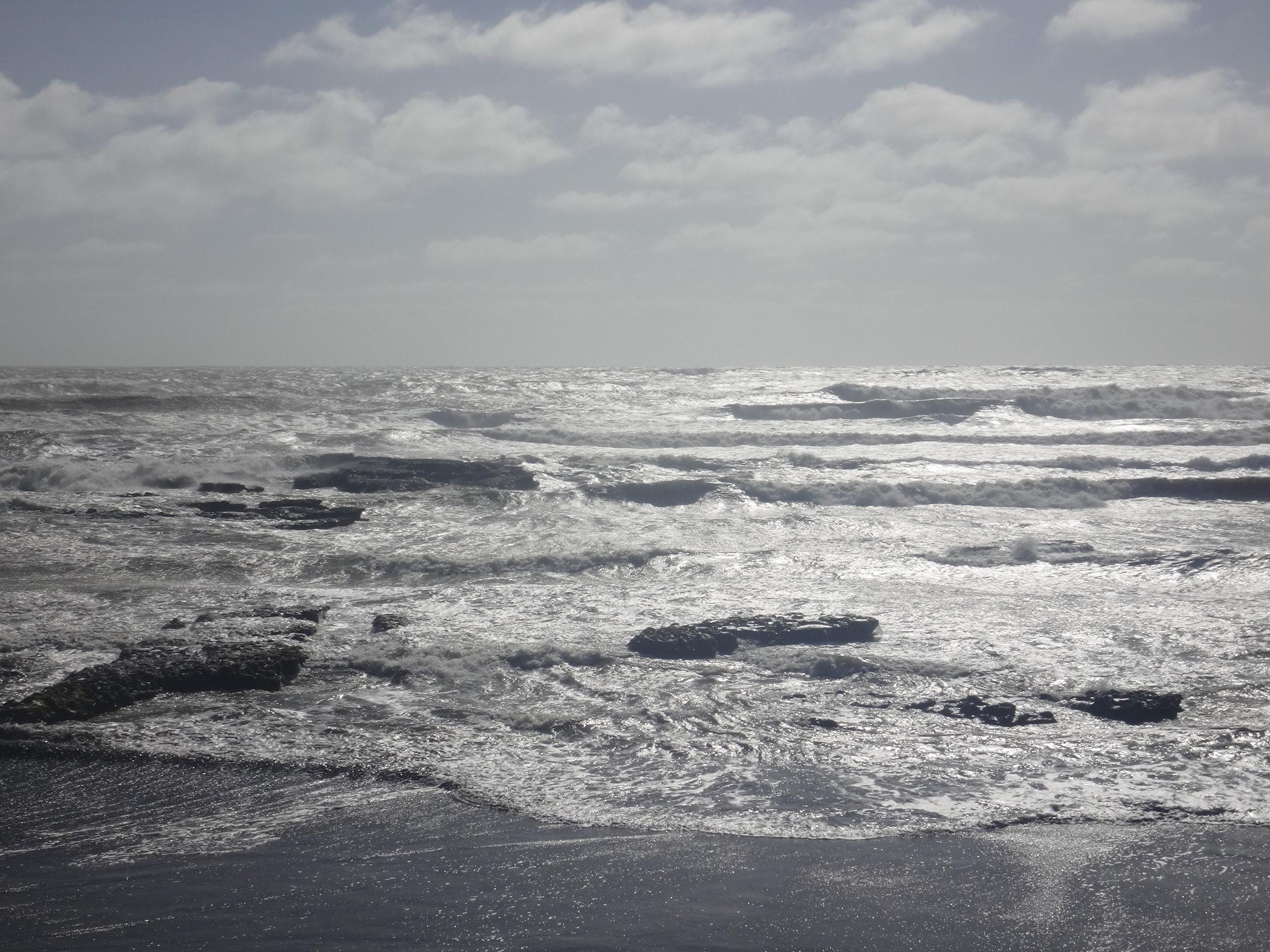Port Waikato waves.