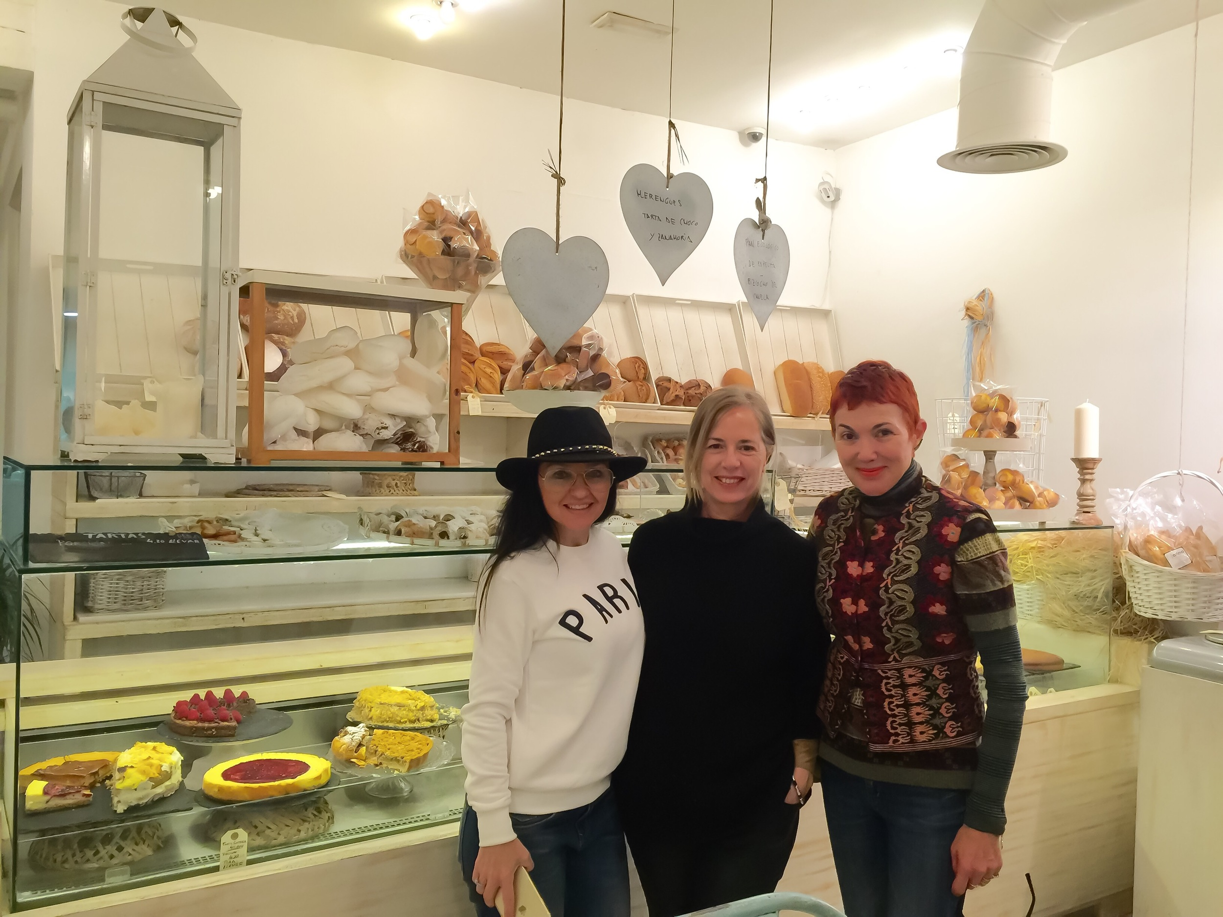 Monica, Carmen and me at Harina
