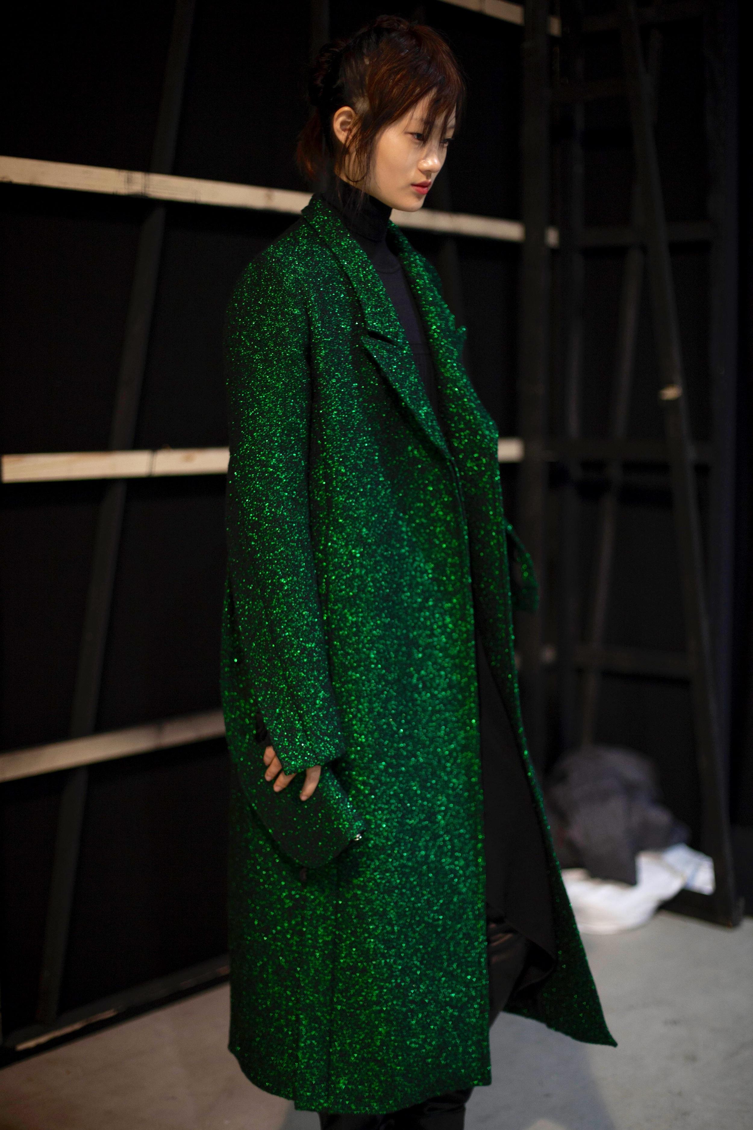 Emerald shimmer print - Costume National - photo Giulia Rosatelli