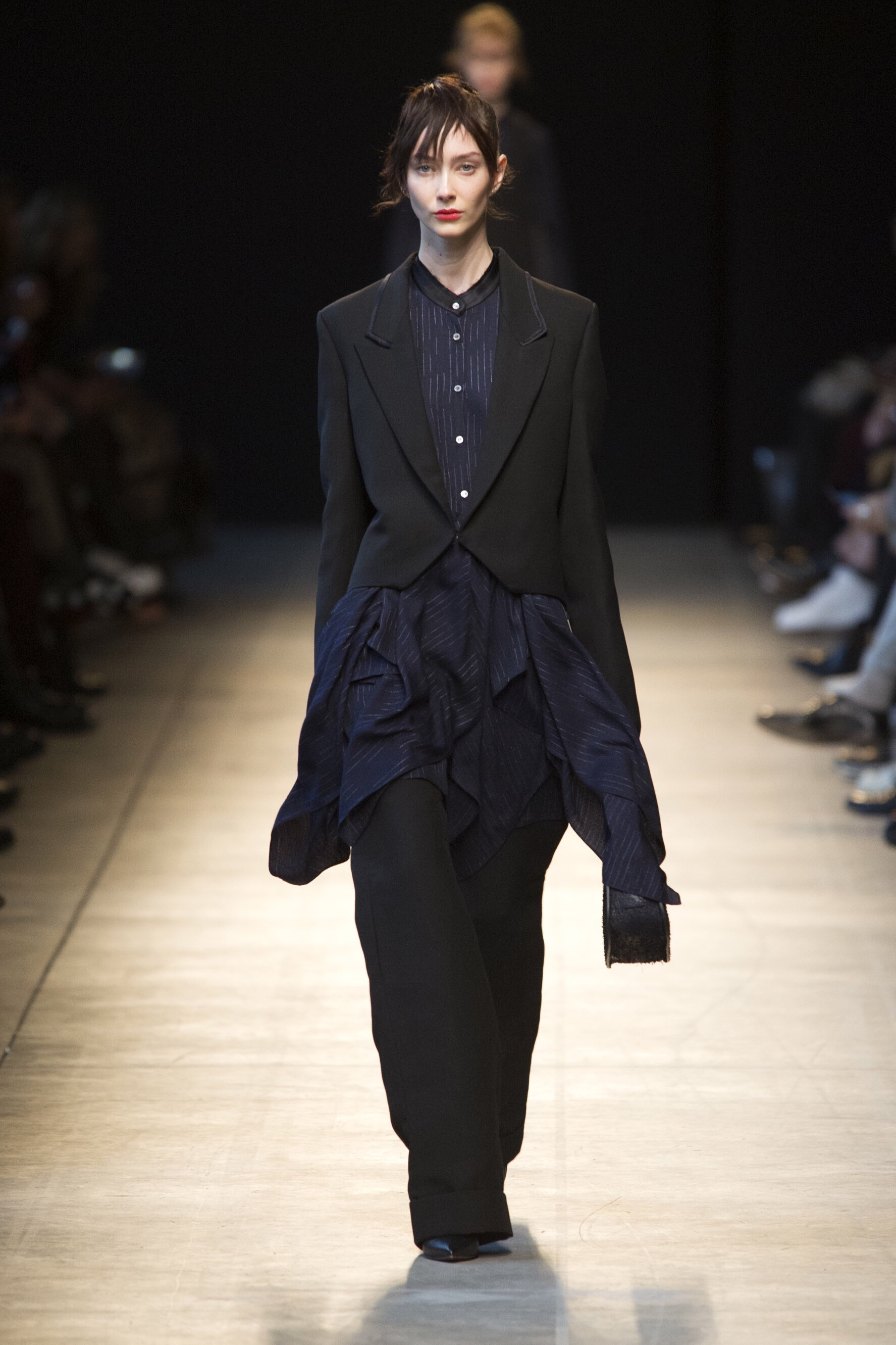 Night blue and black - creating movement - Costume National