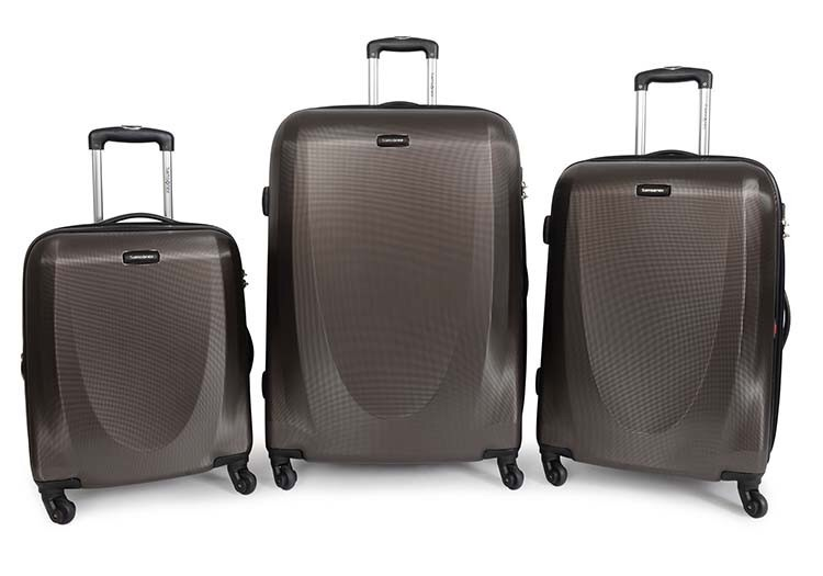 Samsonite luggage light and manoeverable