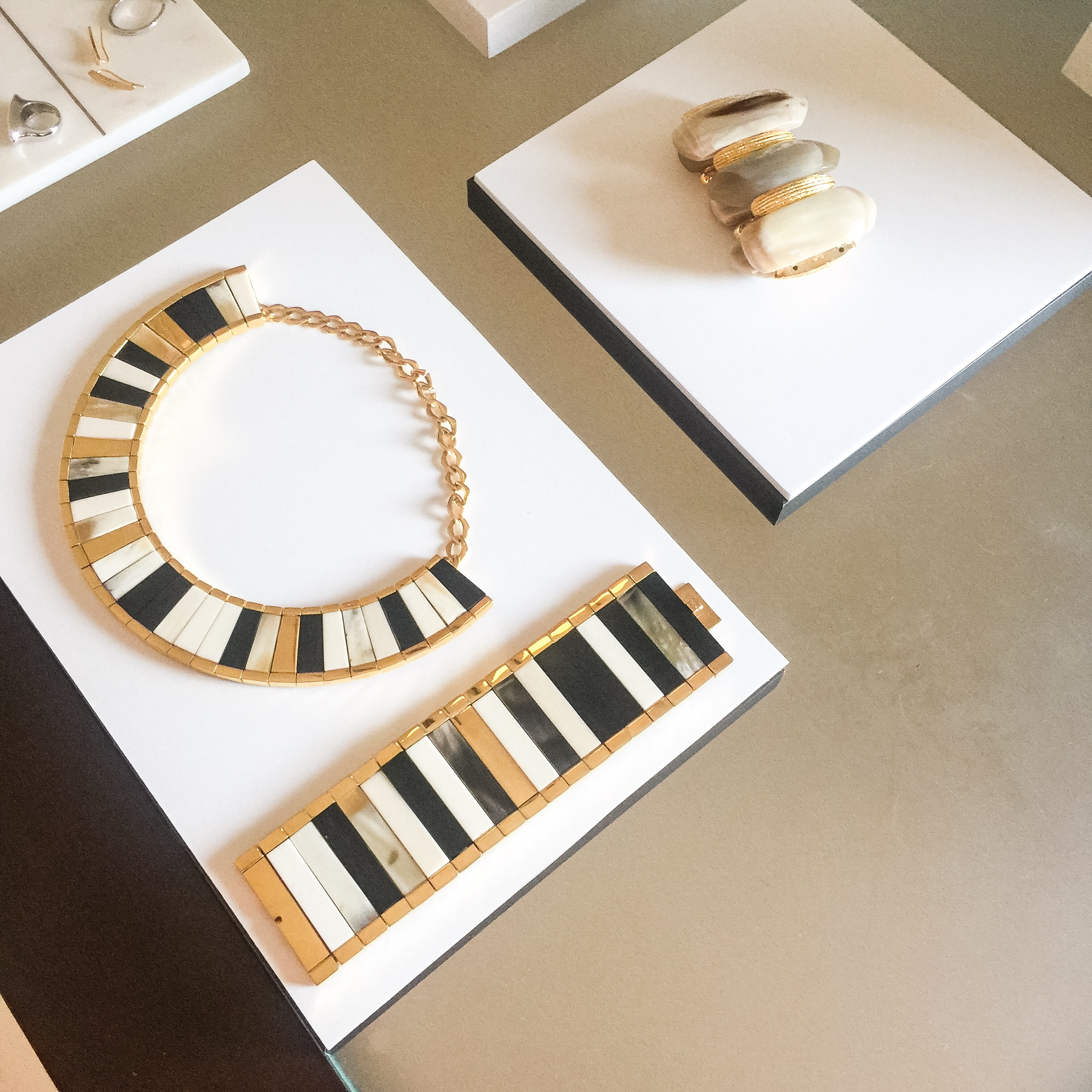 The Saba collection it comes in silver rhodium and 18 karat yellow gold plating - Hissia..