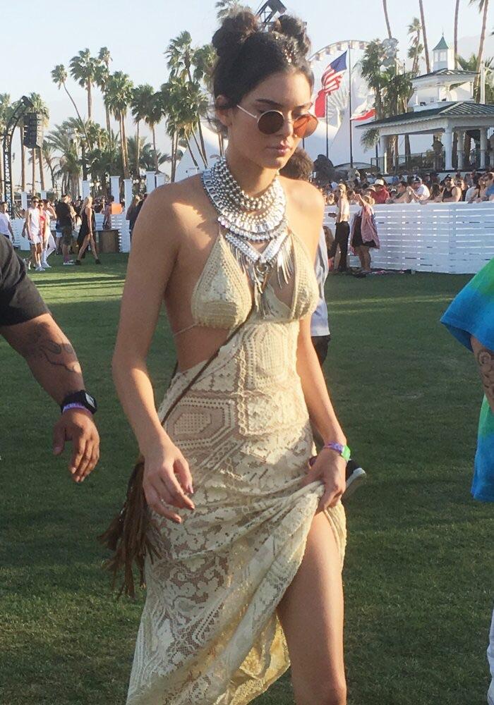 Kendall Jenner - Cross body pouch