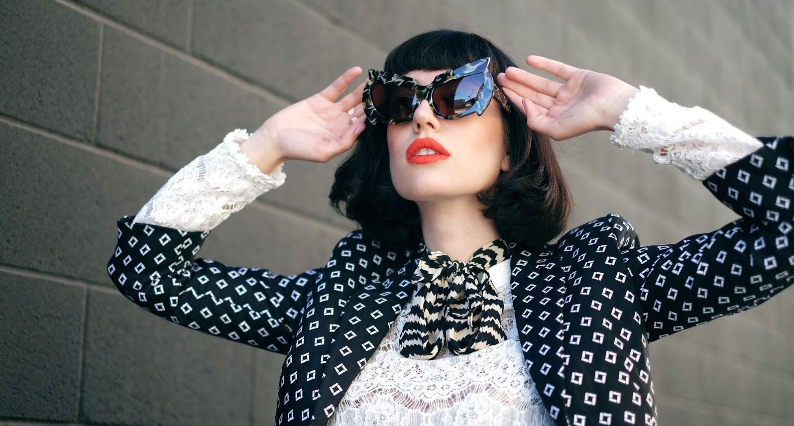Amy Roiland (@fashionnerd) in Mantis
