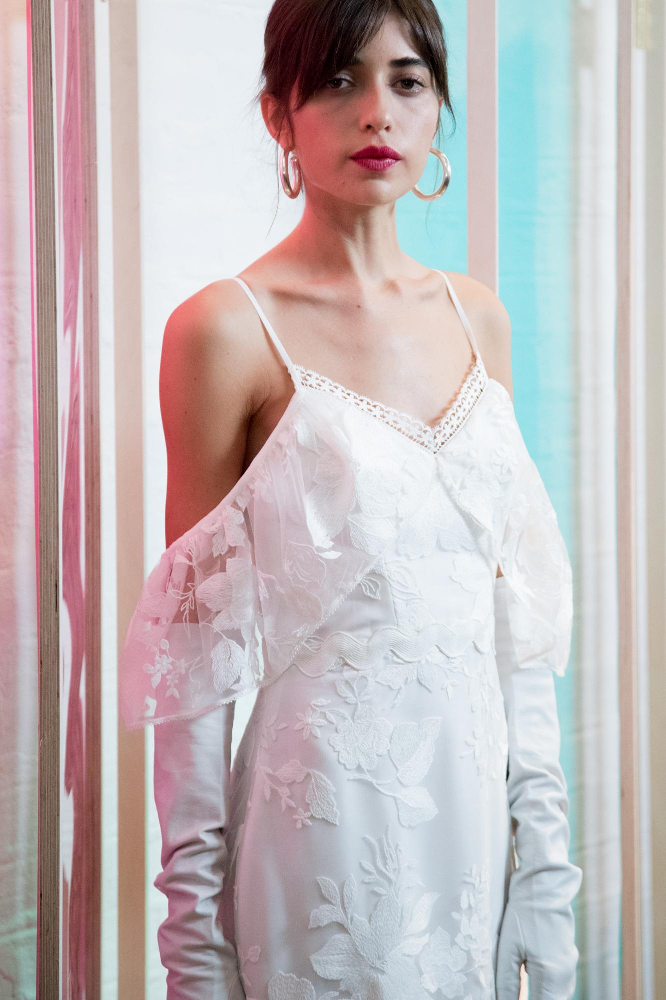 Pure white with ruffles and texture - photo Carro Studio