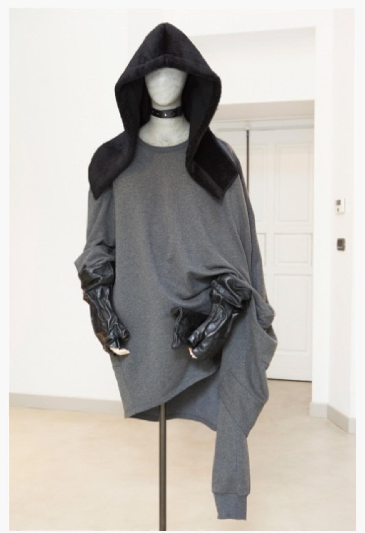 Gloves at presentation at Milan Moda Uomo 2017/18 of    OmⱯR