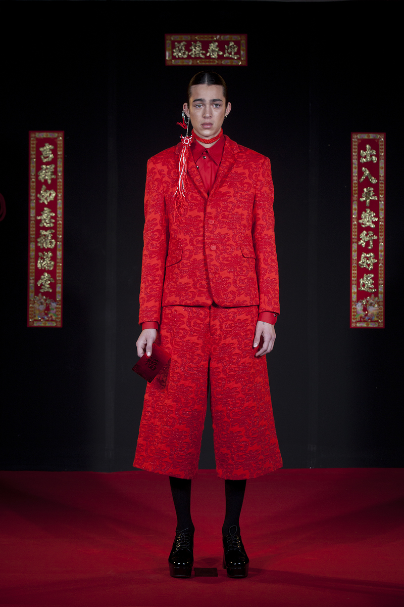 Western tailoring techniques that mix with a Chinese silhouette