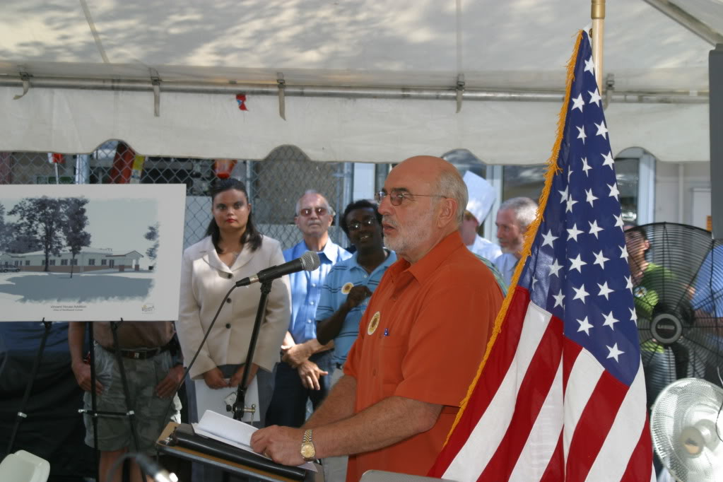 Vincent House-Groundbreaking-2009.jpg