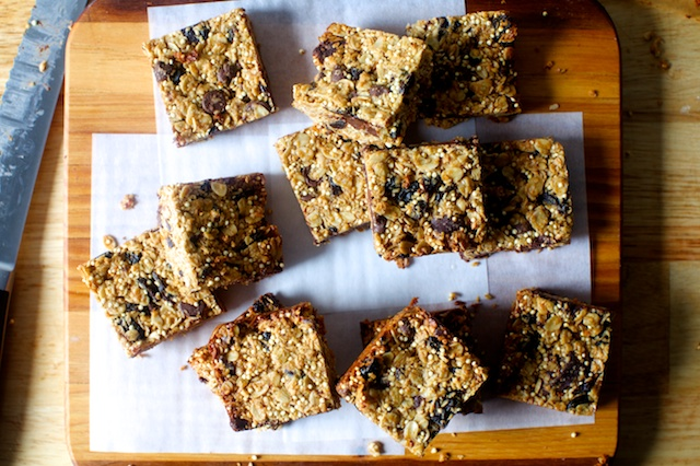 chocolate-chunk-granola-bars.jpg