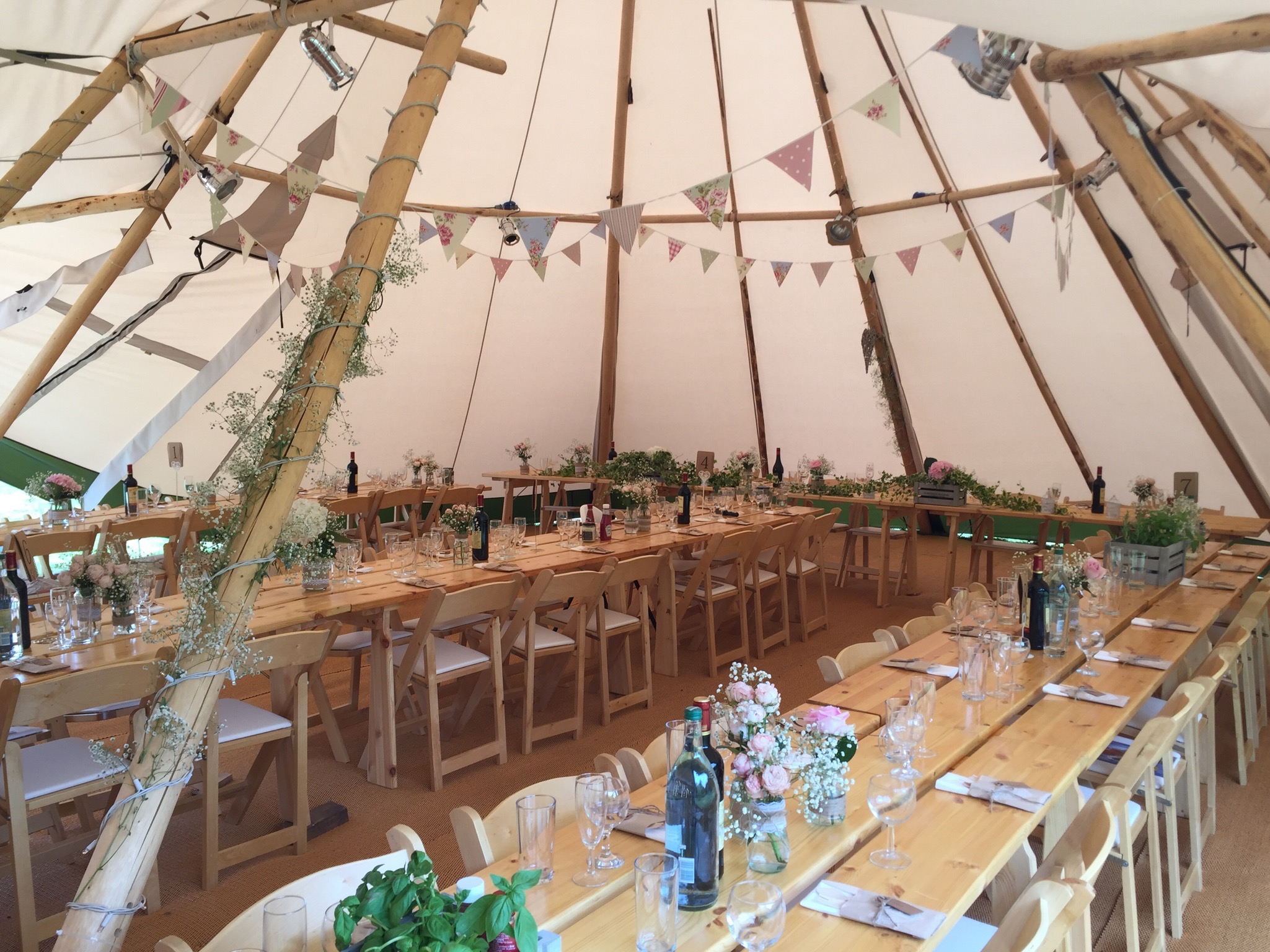 Magical summer tipi wedding in Essex