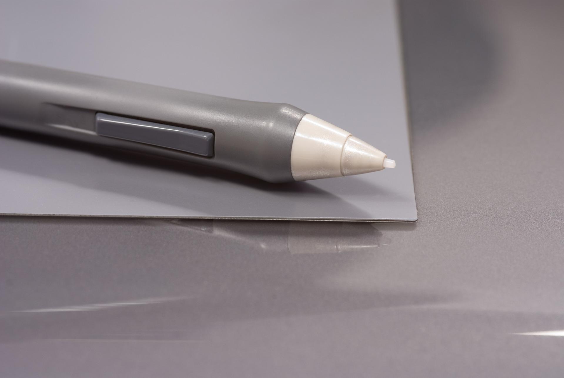 pen-tablet-1242389-1919x1284.jpg