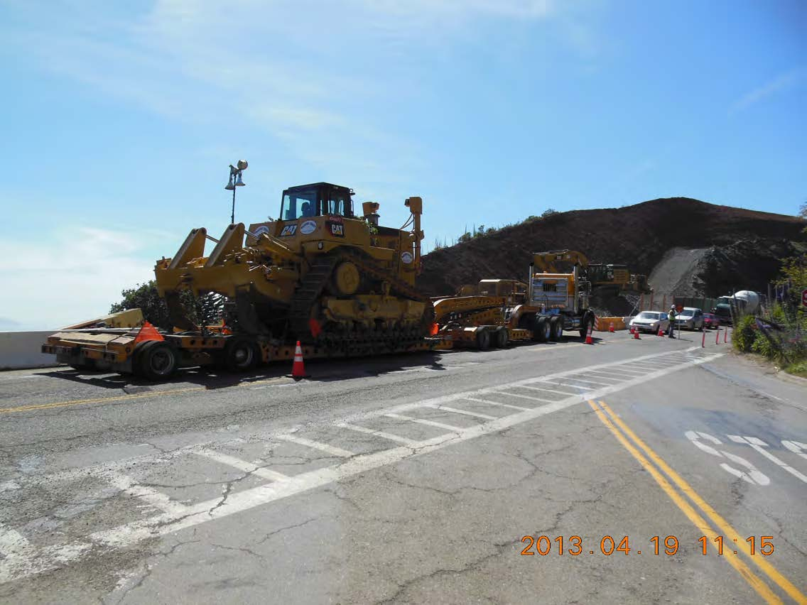D10 arrives on-site for blue rock ripping on Alexander Cut