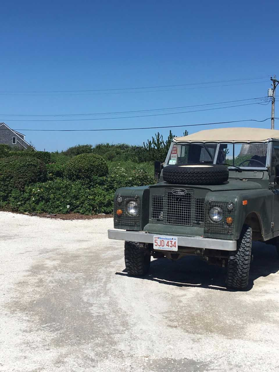 Love the charm of all the old cars on the island. Makes me want to get a Wagoneer or an old Land Rover. This one is for sale!