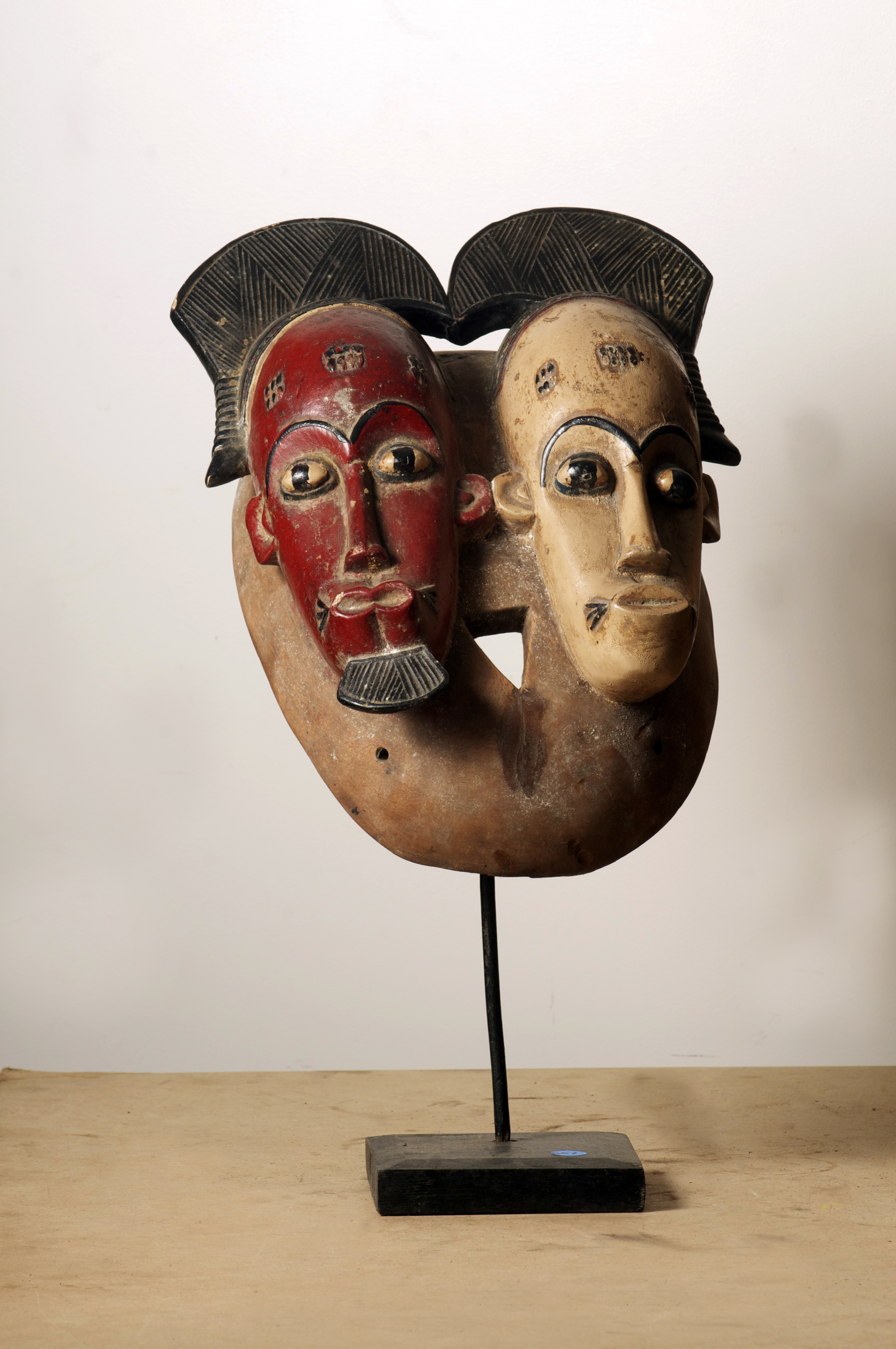 Baule double Mask, Cote D'Ivoire. Height 20.3 inch. Pp. $880.00.jpg