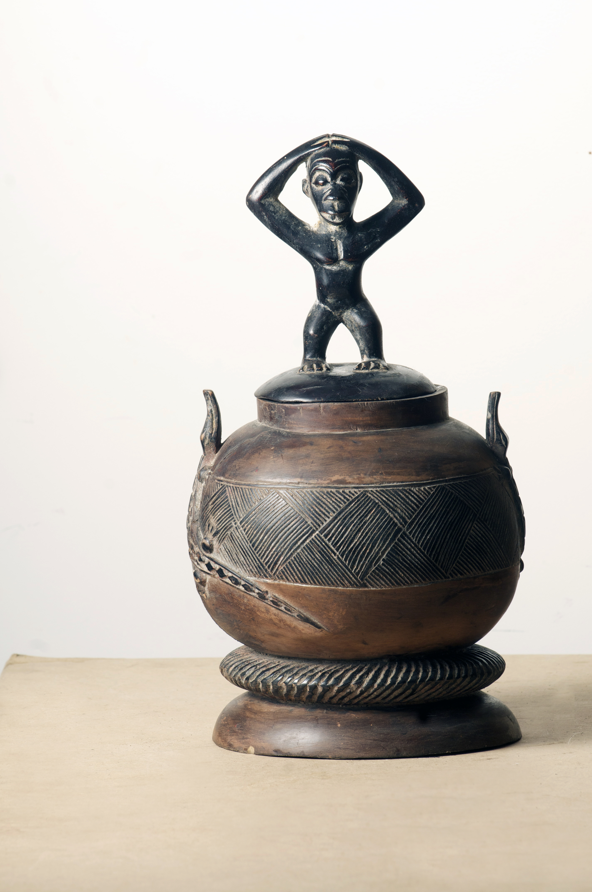 Baule Pot, Cote D'ivoire. Height 18.4inch. Pp. $399.00.jpg
