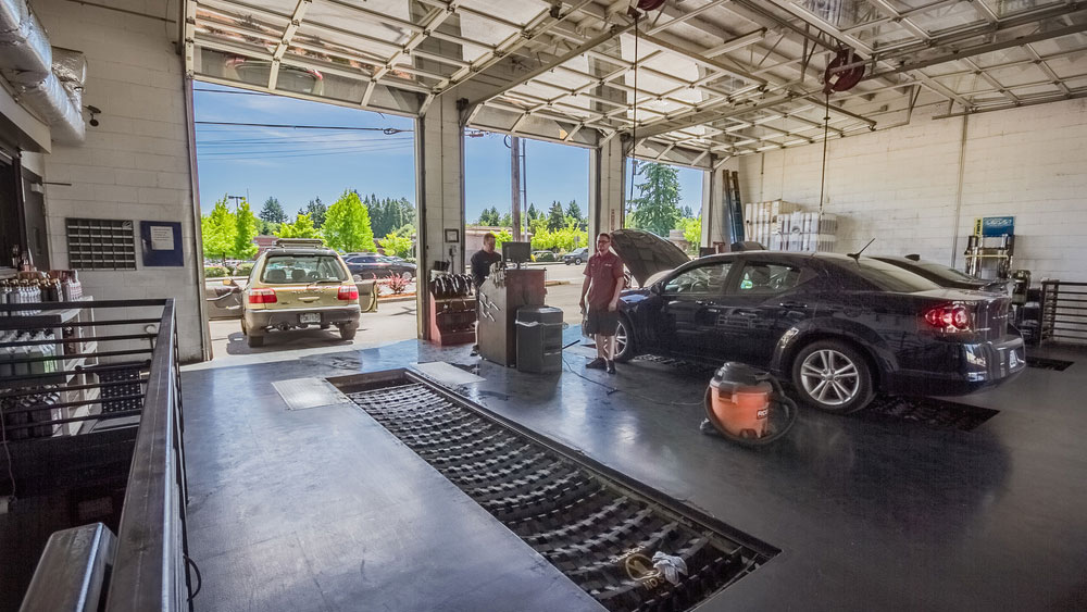 Fast Lane Oil Change garage