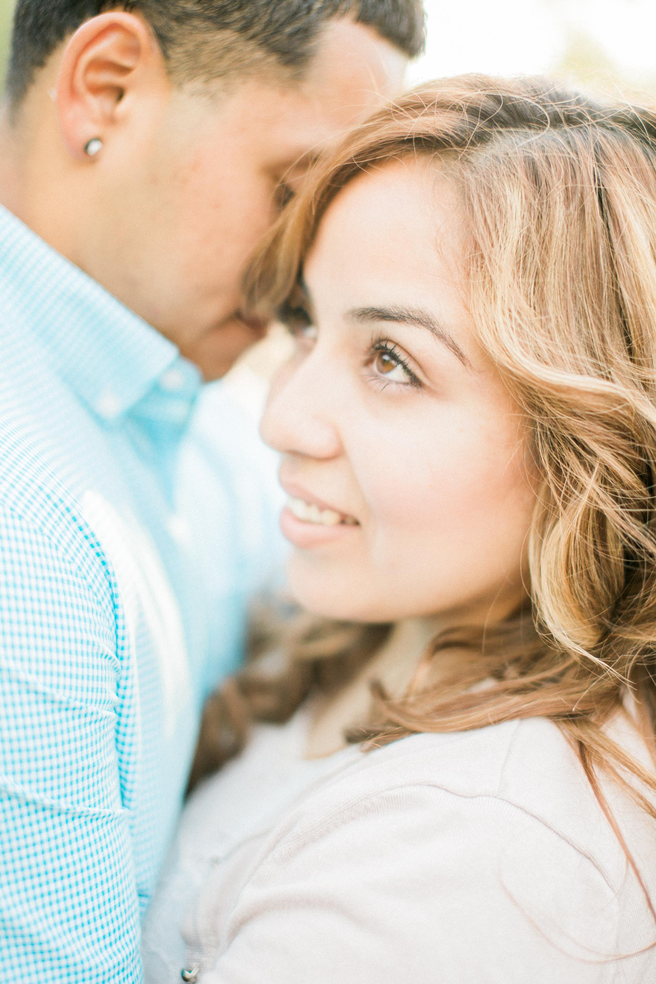 romantic-woodsy-engagement-10.jpg