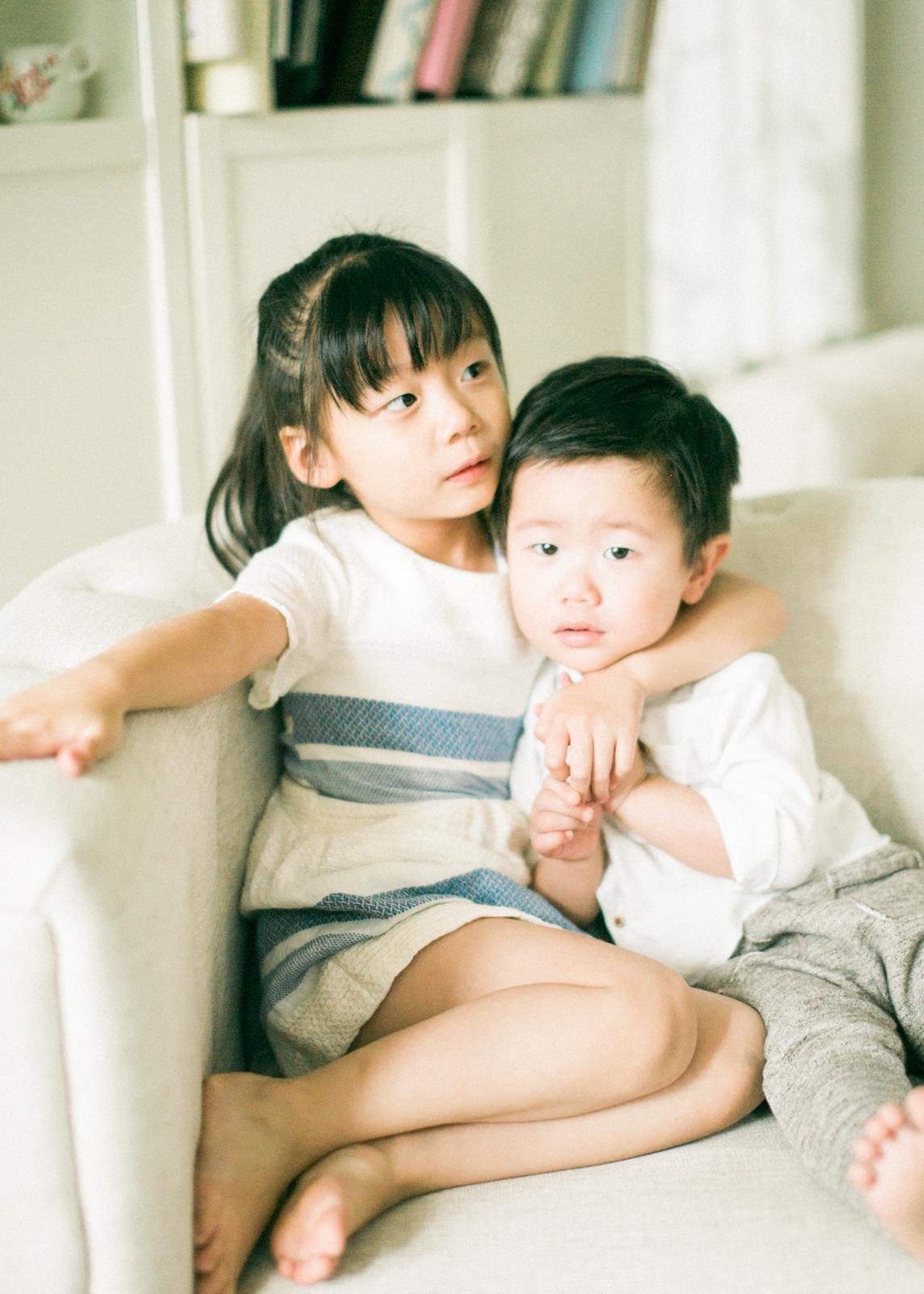 cozy-in-home-family-photos-13.jpg