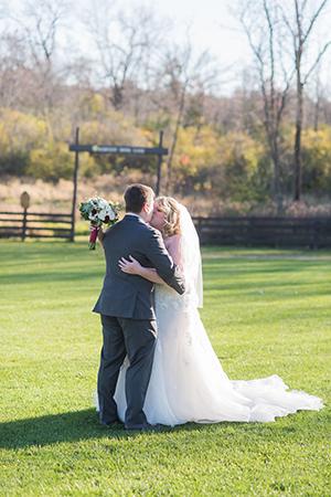 outdoor vintage barn wedding wisconsin