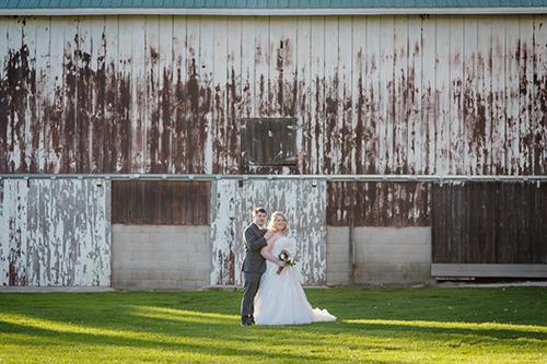 barn farm wedding wisconsin wedding planner