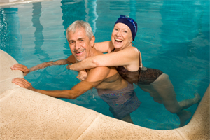 couple-in-pool-200-300