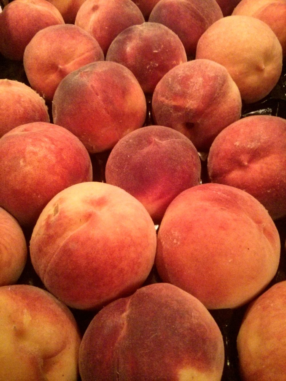 serving of fruit Peaches