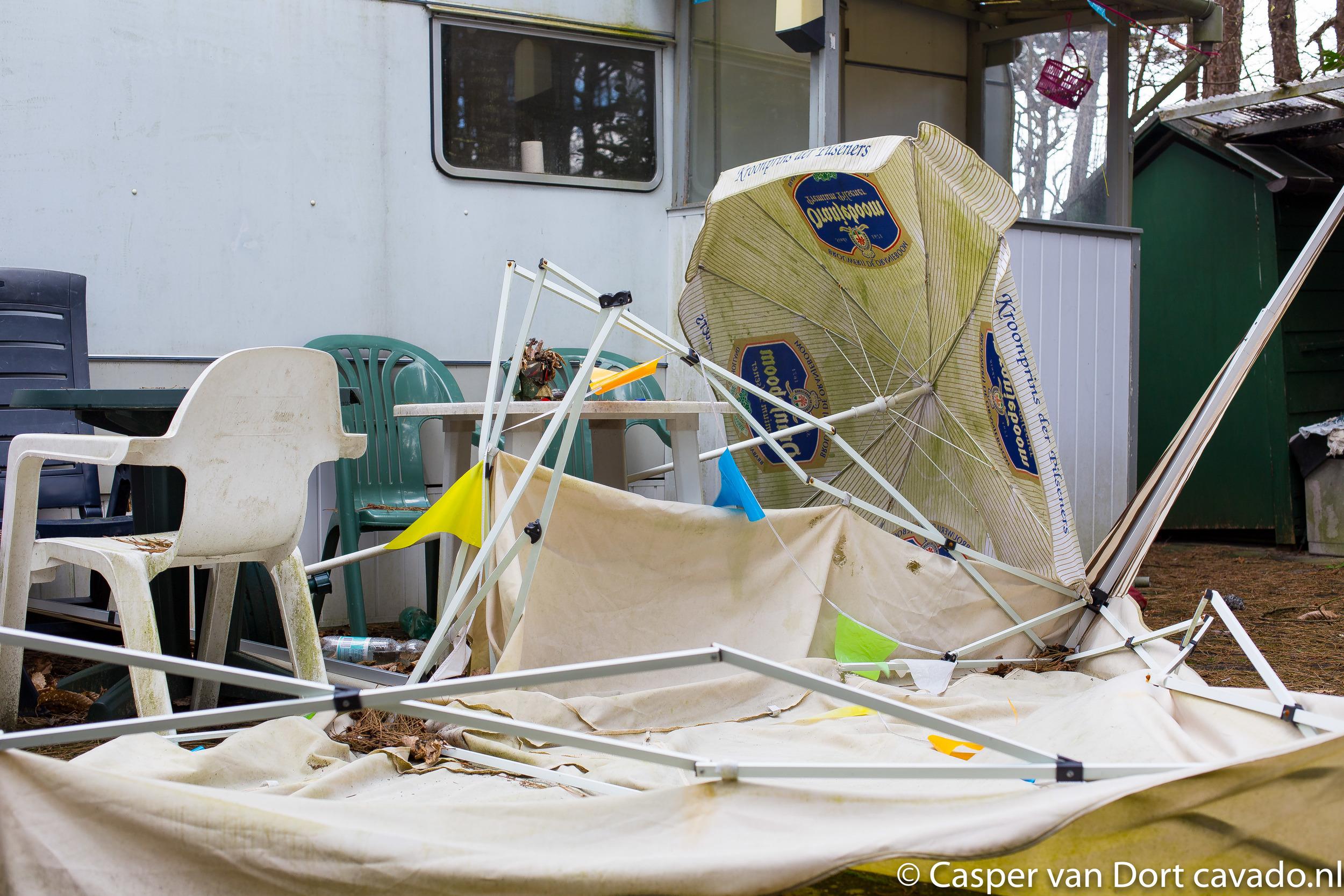Verlaten feestje Camping-2.jpg