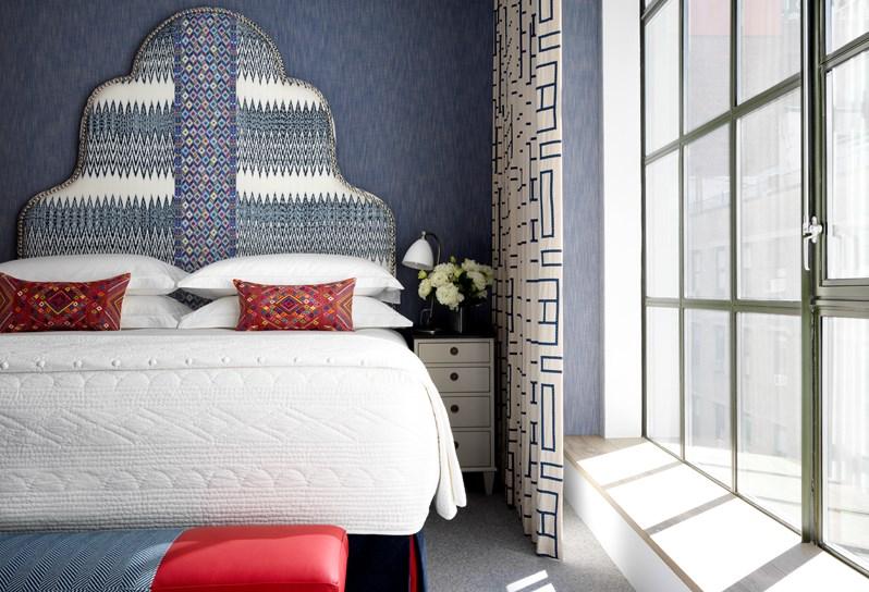 Deluxe_Room.jpg