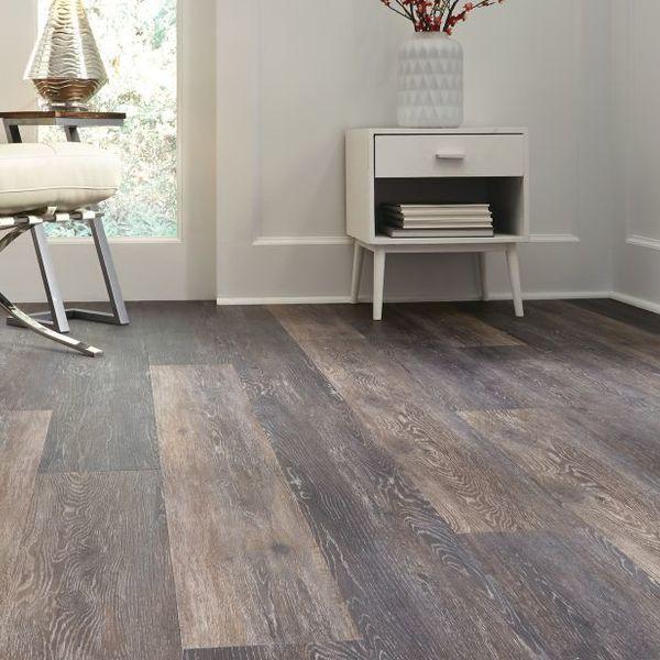 luxury-vinyl-plank-flooring-is-here-to-stay-luxury-vinyl-plank-flooring-s-6d2652c02e7e8ae8.jpg