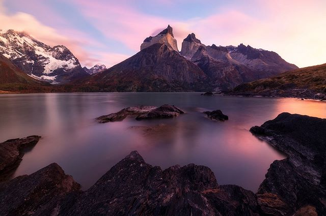 An early morning hike out to this beautiful view for sunrise was well worth the early wake up.  TDP is nothing short of spectacular.  #patagonia #patagoniachile  #pocket_world #ig_landscape  #dream_spots #visual_heaven #landscapephoto #landscape_lover #natgeoadventure #earthexperience #mthrworld #majestic_earth  #igworldglobal #ilovenature #ig_divineshots #EarthOfficial  #earth_shotz #marvelshots #theworldshotz #discoverglobe #landscapelover #landscapehunter