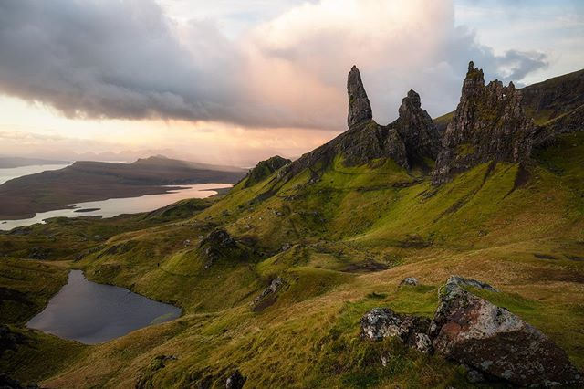 I was enjoying this sunrise at the Old man of Storr as early morning light was catching storm clouds sweeping by in the distance. .  Join me in October for an 8 day photography adventure through the Highlands and Isle of Skye.  Visit www.shanewheel.com/workshops for more information.  #scotland #oldmanofstorr #isleofskye #highlandsofscotland #D850 #nikonnofilter  #ig_landscape  #dream_spots #visual_heaven #landscapephoto #landscape_lover #natgeoadventure #earthexperience #mthrworld #majestic_earth  #igworldglobal #ilovenature #ig_divineshots #EarthOfficial  #earth_shotz #marvelshots #theworldshotz #discoverglobe #landscapelover #landscapehunter  #igbest_shotz #natgeoyourshot