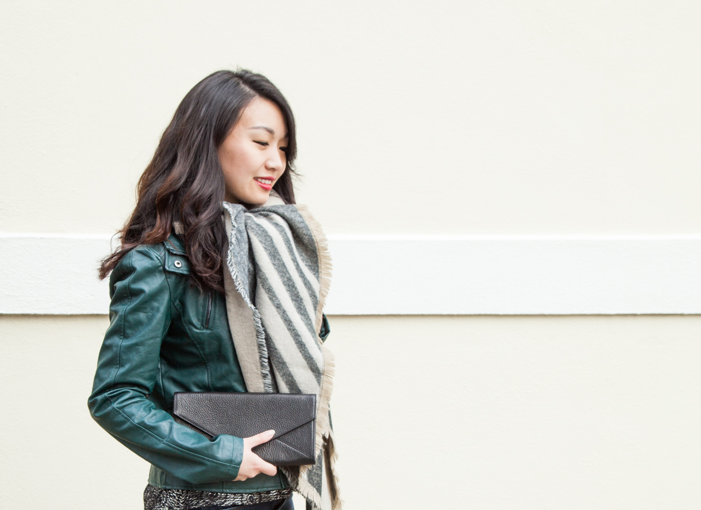 Keeping warm with my toasty blanket scarf | via The Chic Diary