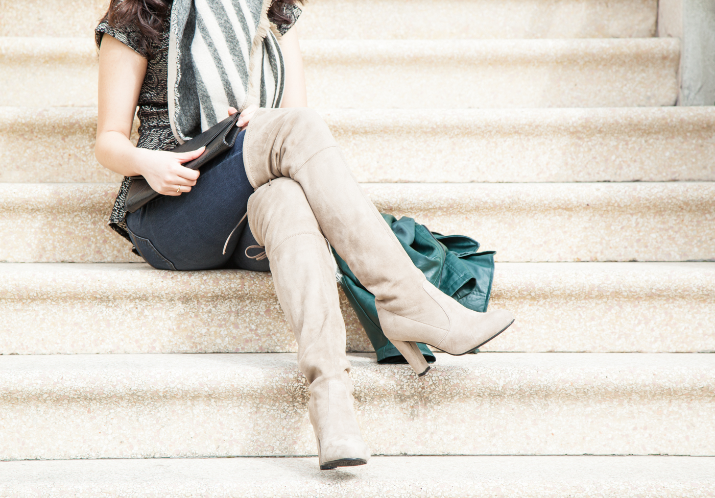 Love these soft knee-high boots | via The Chic Diary