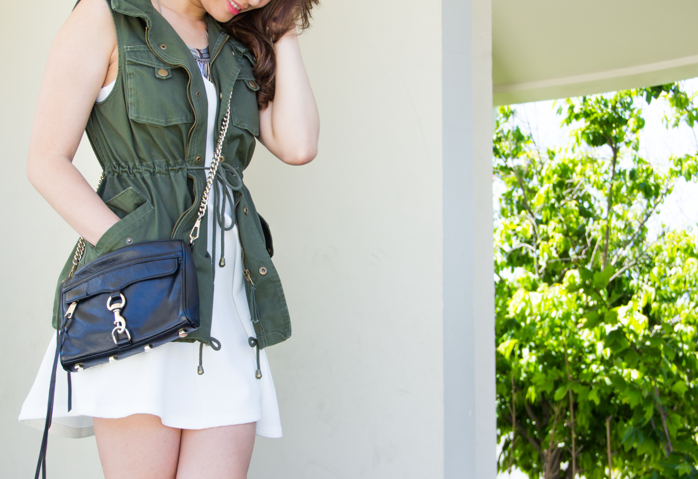 Drawstring cinched waist vest   via The Chic Diary