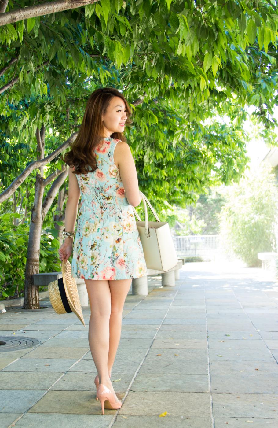 Ready to soak up the summer sun | via The Chic Diary