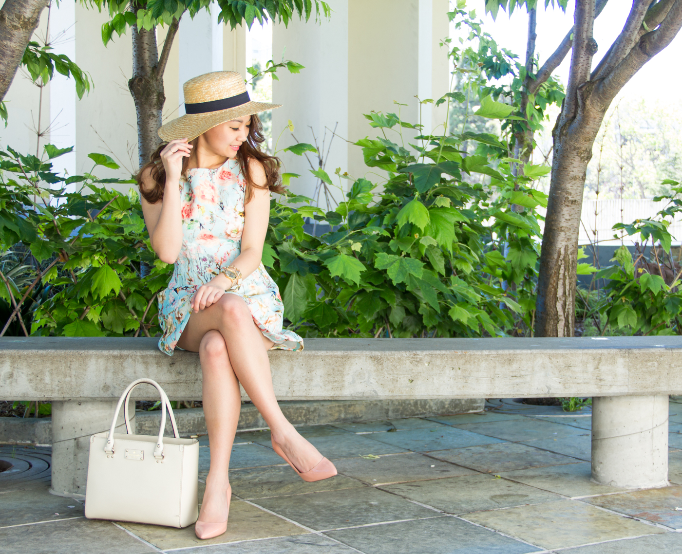 Soft pinks, blues, and neutrals | via The Chic Diary