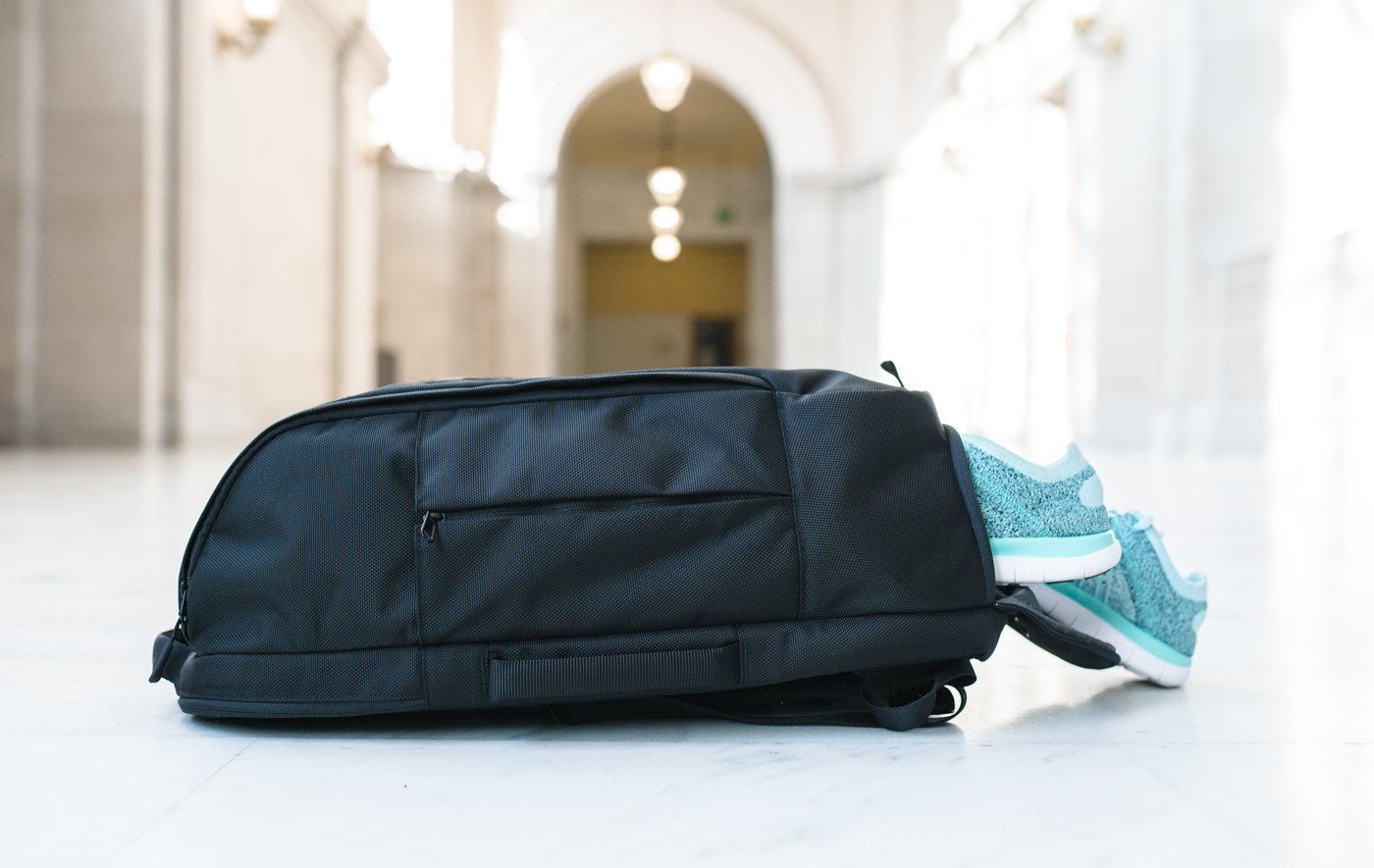 Aer Duffel Pack's Shoe Compartment | via The Chic Diary