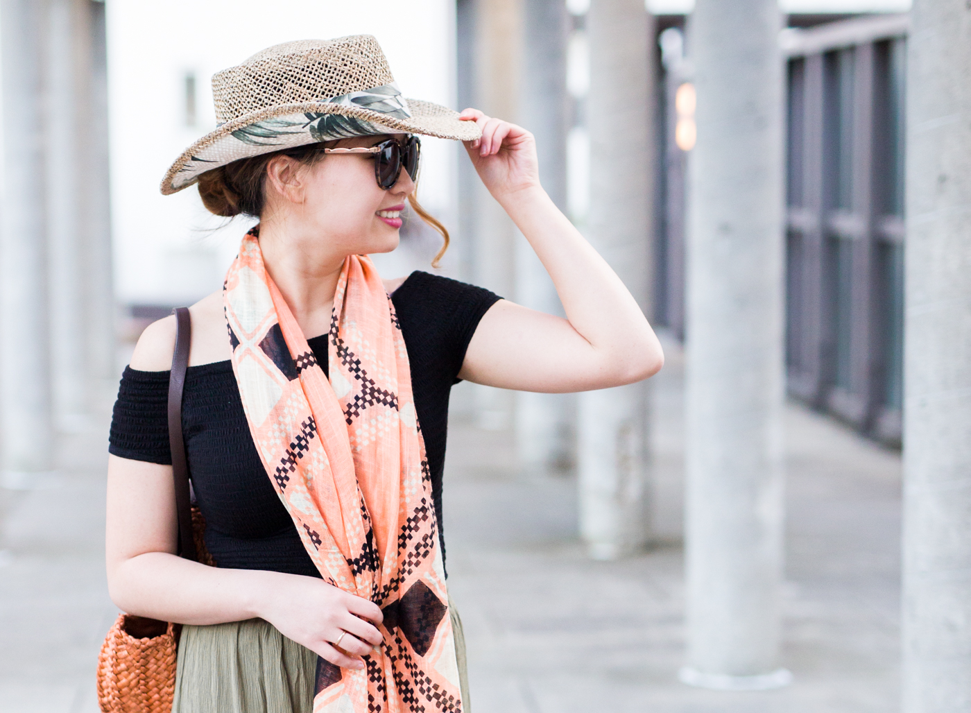 San Diego Hat Company sunglasses with gold side panels | The Chic Diary