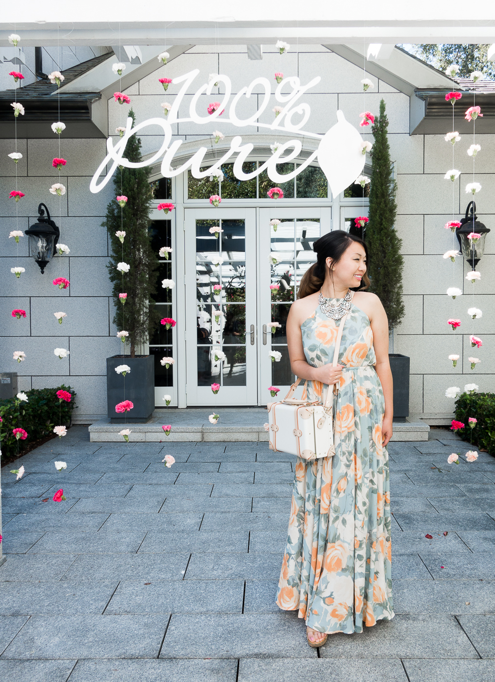 Garden Beauty Brunch with 100% Pure - Wearing Lulu's & Steamline Vanity Bag   The Chic Diary