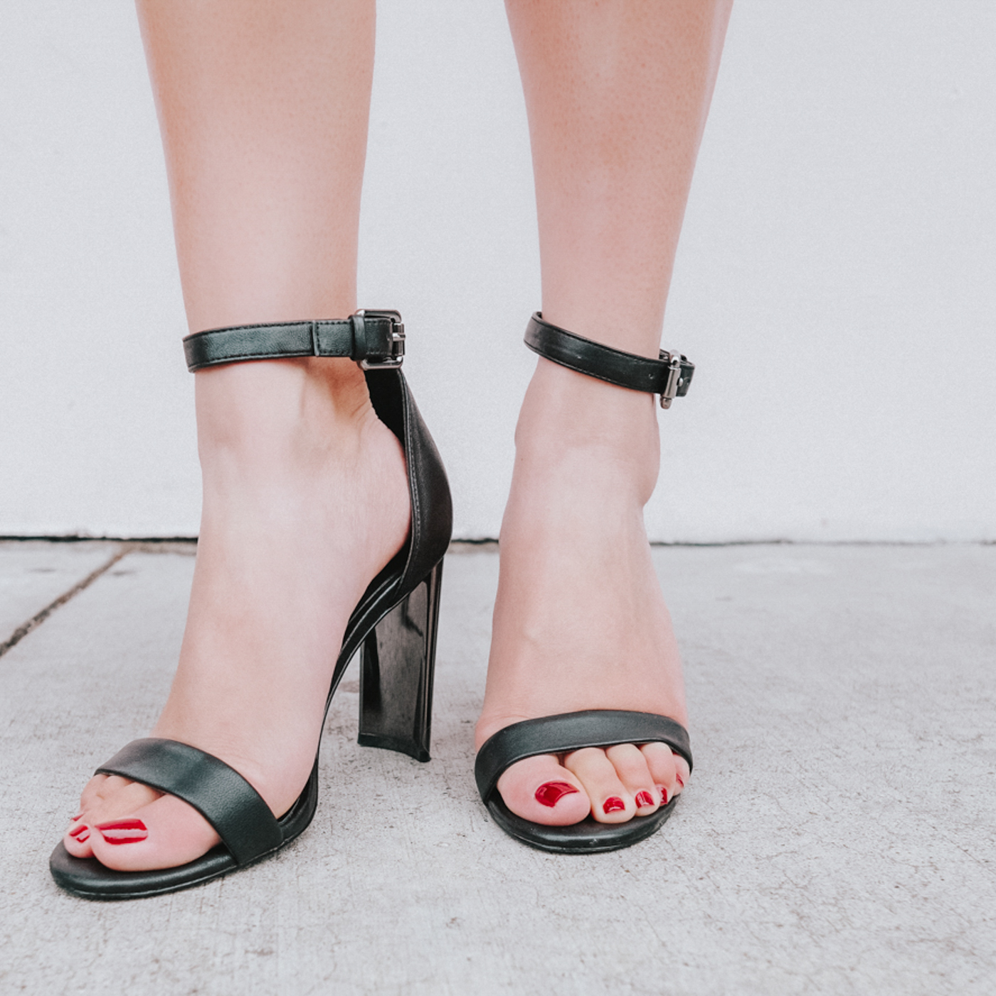 Witchery     •  Ashton Leather Heeled       Sandals    Cost:  $126.43  Times Worn as of 3/2019:  5   Cost/Times Worn:  $25.29  Cost/30 Wears:  $4.21